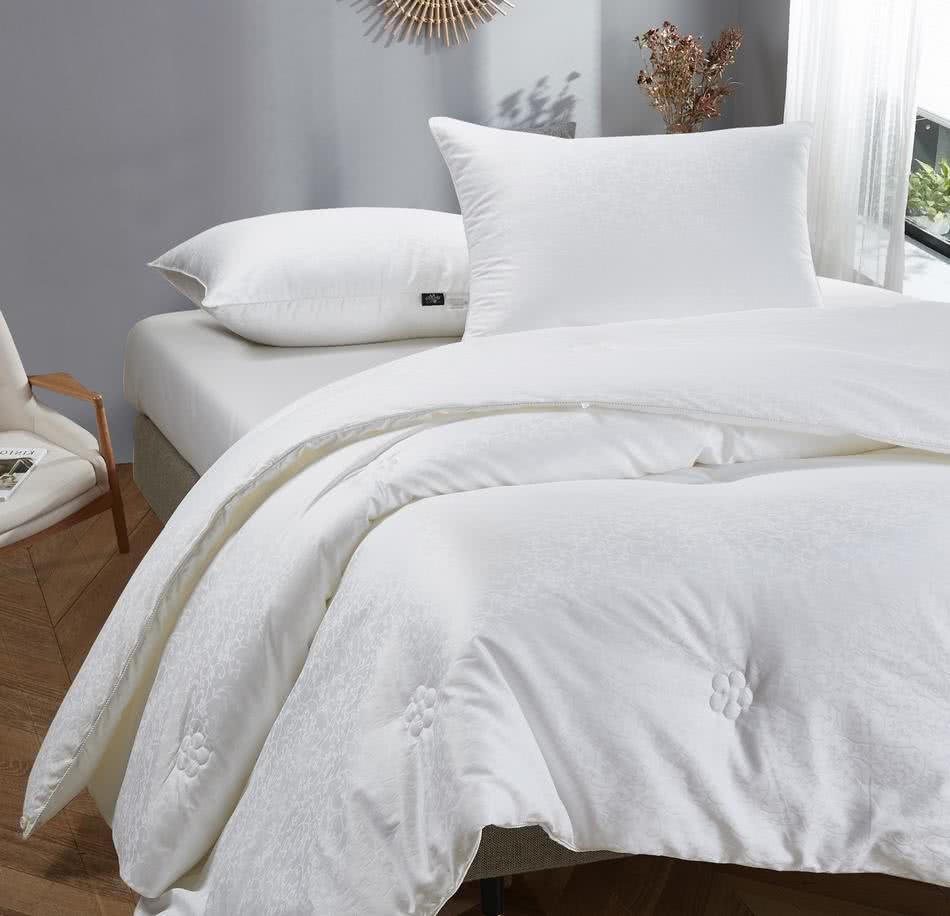 Шeлковое одеяло Onsilk Comfort Premium среднее - Detskoye-Postelnoe.Ru