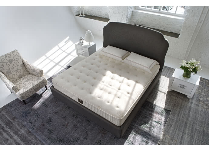 ������ Sleepeesleep Royal Light