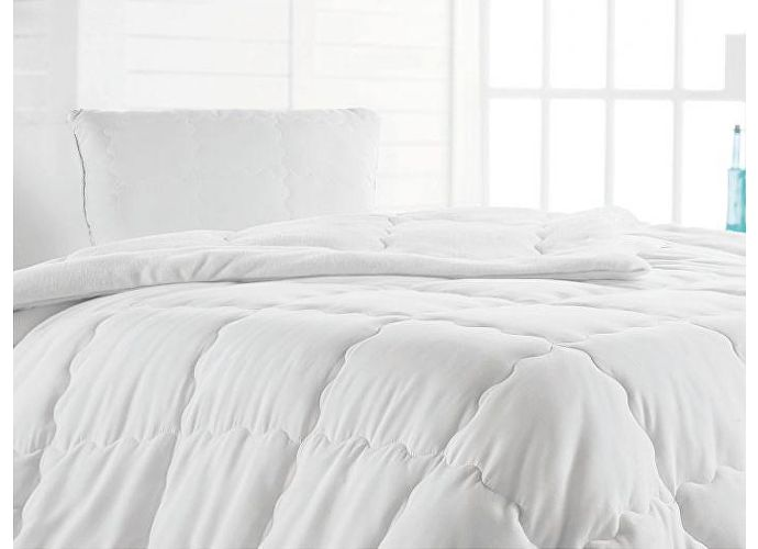 ������ Issimo Coral Soft Quilt