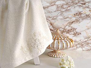 Полотенце Irya Lovely 85х150 см с гипюром, молочное