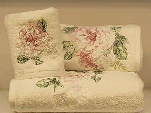Набор из 3-х полотенец Tivolyo Rose Nakisli, кремово-розовый