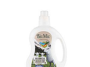 Средство жидкое для стирки деликатных тканей BioMio Bio White с экстрактом хлопка
